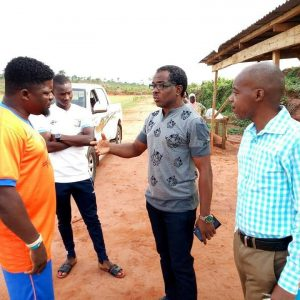 Coerver Representative Yomi Kuku in a discussion with Remo Stars Fc youth football director Daniel Ogunmodede while team secretary Micheal Onikute and Journalist Jide Olaniran listen