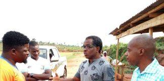 Coerver Representative Yomi Kuku in a discussion with Remo Stars Fc youth football director Daniel Ogunmodede while team secretary Micheal Onikute and Journalist Jide Olaniran listen